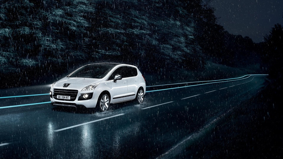 /image/15/3/peugeot_3008_hyb4_4rouesmotrices-1920x1080.12153.jpg