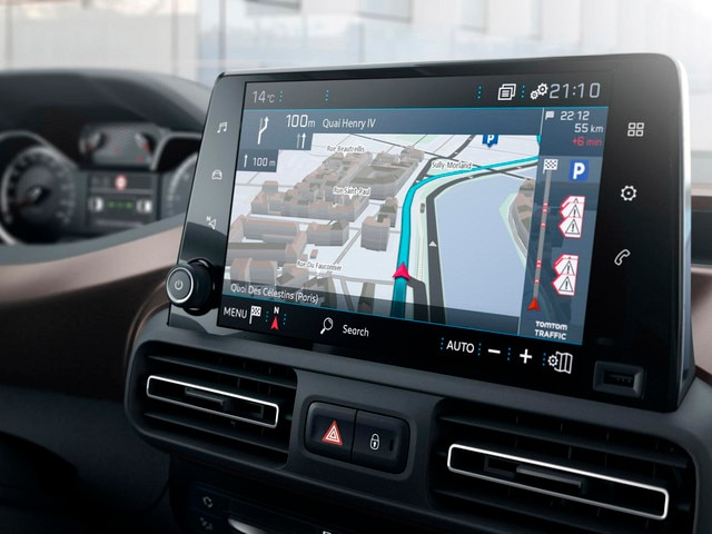 Nouveau PEUGEOT RIFTER – Navigation 3D connectée avec reconnaissance vocale