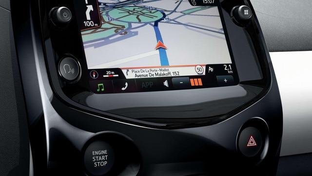 PEUGEOT 108 – Ecran tactile et navigation