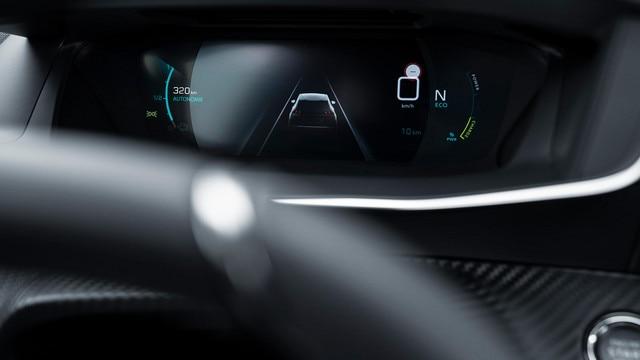 Nouveau SUV PEUGEOT 2008 : combiné numérique 3D configurable